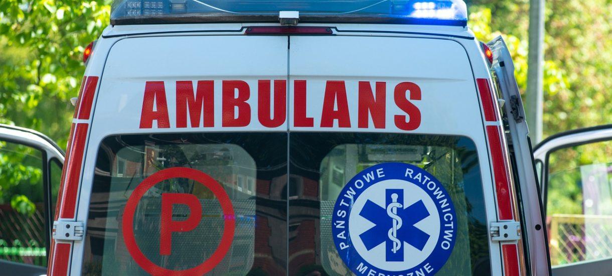 Rząd twierdzi, że dogadał się z ratownikami medycznymi. Ale Białe miasteczko odcina się od porozumienia