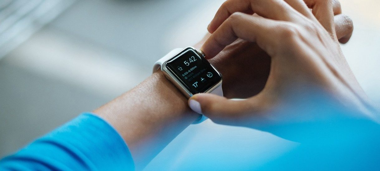Smartwatch na firmę? Jeżeli jest nam potrzebny, to nie ma problemu