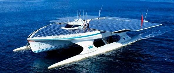Triumf odnawialnych źródeł energii – futurystyczny katamaran opłynął świat
