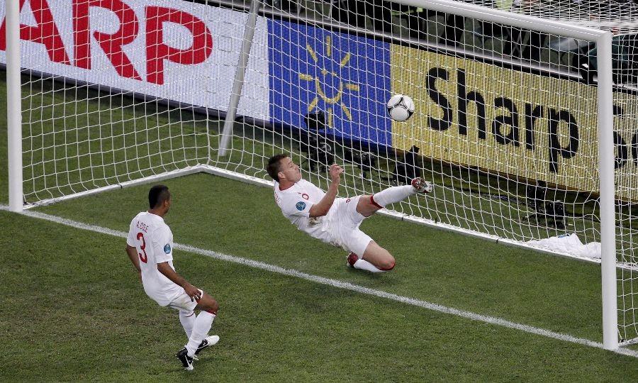 Nowe technologie wkraczają do piłki nożnej – mecze jak w FIFA czy Pro Evolution Soccer?
