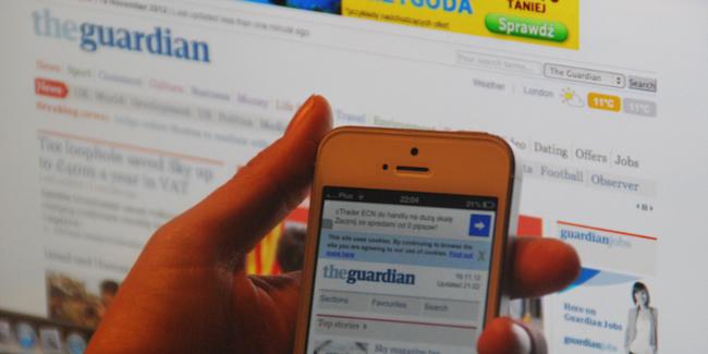 Przełom – między 6 a 7 rano więcej osób czyta Guardiana na smartfonach aniżeli na komputerze