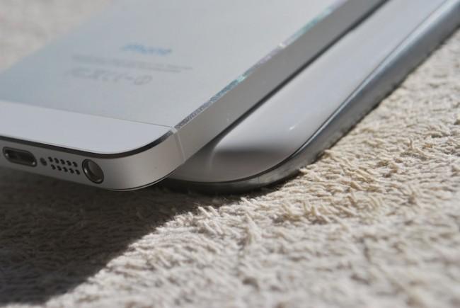 iPhone 5 vs. Samsung Galaxy S III, i