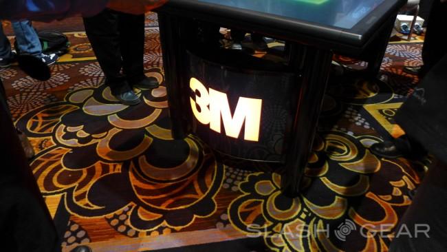 3M-stol-multimedialny-CES