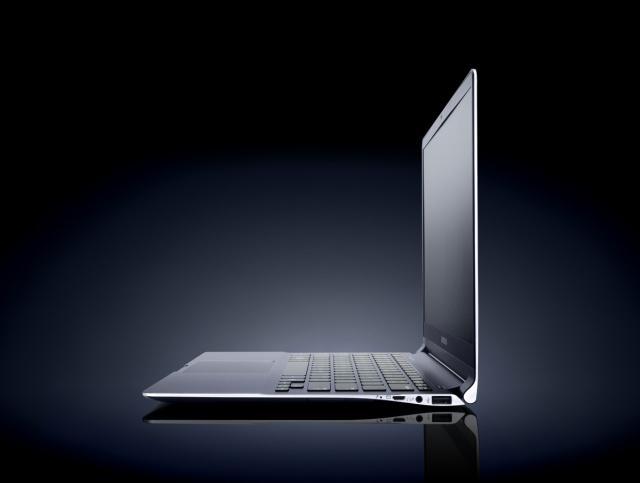 Samsung prezentuje ekran o rozdzielczości 3200 x 1800 pikseli do Ultrabooków