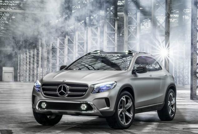 Mercedes GLA – laserowa projekcja przyszłością nawigacji