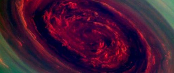 Niesamowity, monstrualny huragan na Saturnie [wideo]!