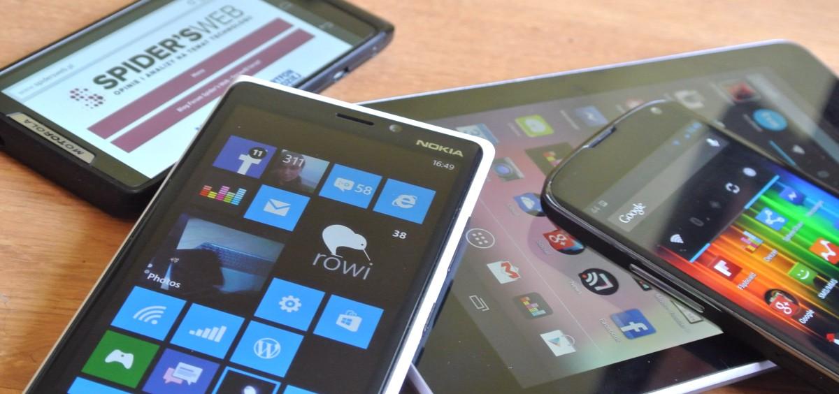 Blisko jedna trzecia Polaków korzystających mobilnie z Internetu używa  do tego urządzeń Apple. Na horyzoncie widać już nowego króla