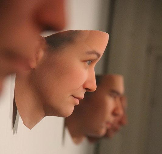 wydrukowane-twarze-z-dna