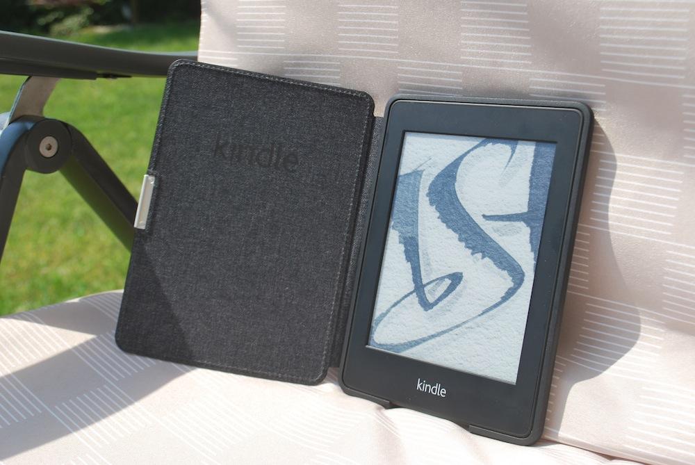 Już wiem, o co chodzi z tymi e-czytnikami (na przykładzie Kindle Paperwhite)