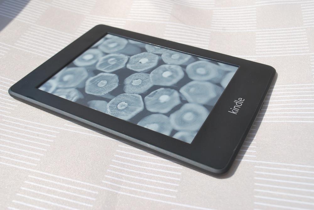 Uczciwa propozycja Amazonu: kupisz książkę papierową, to ebooka dostaniesz (niemal) za darmo