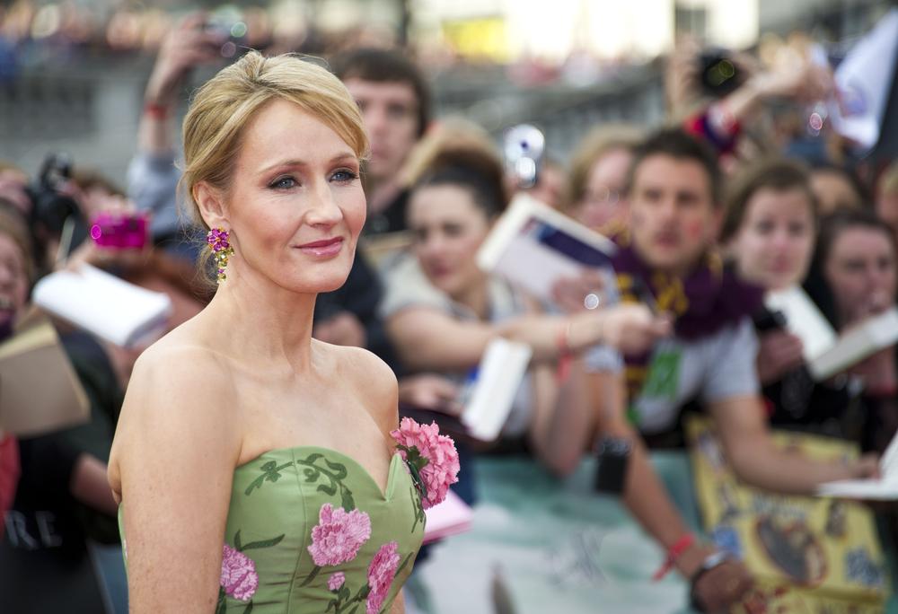 W sieci nikt nie może być anonimowy. Nawet J.K. Rowling, którą zdemaskowano na Twitterze
