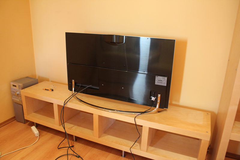 Poznajcie nowego księcia rozrywki – telewizor Samsung F8000. Recenzja Spider's Web