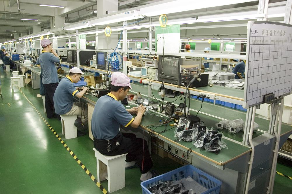 """Masz wyrzuty sumienia kupując towar wyprodukowany w Chinach? Te """"chińskie małe rączki"""" wkrótce będą bezrobotne"""