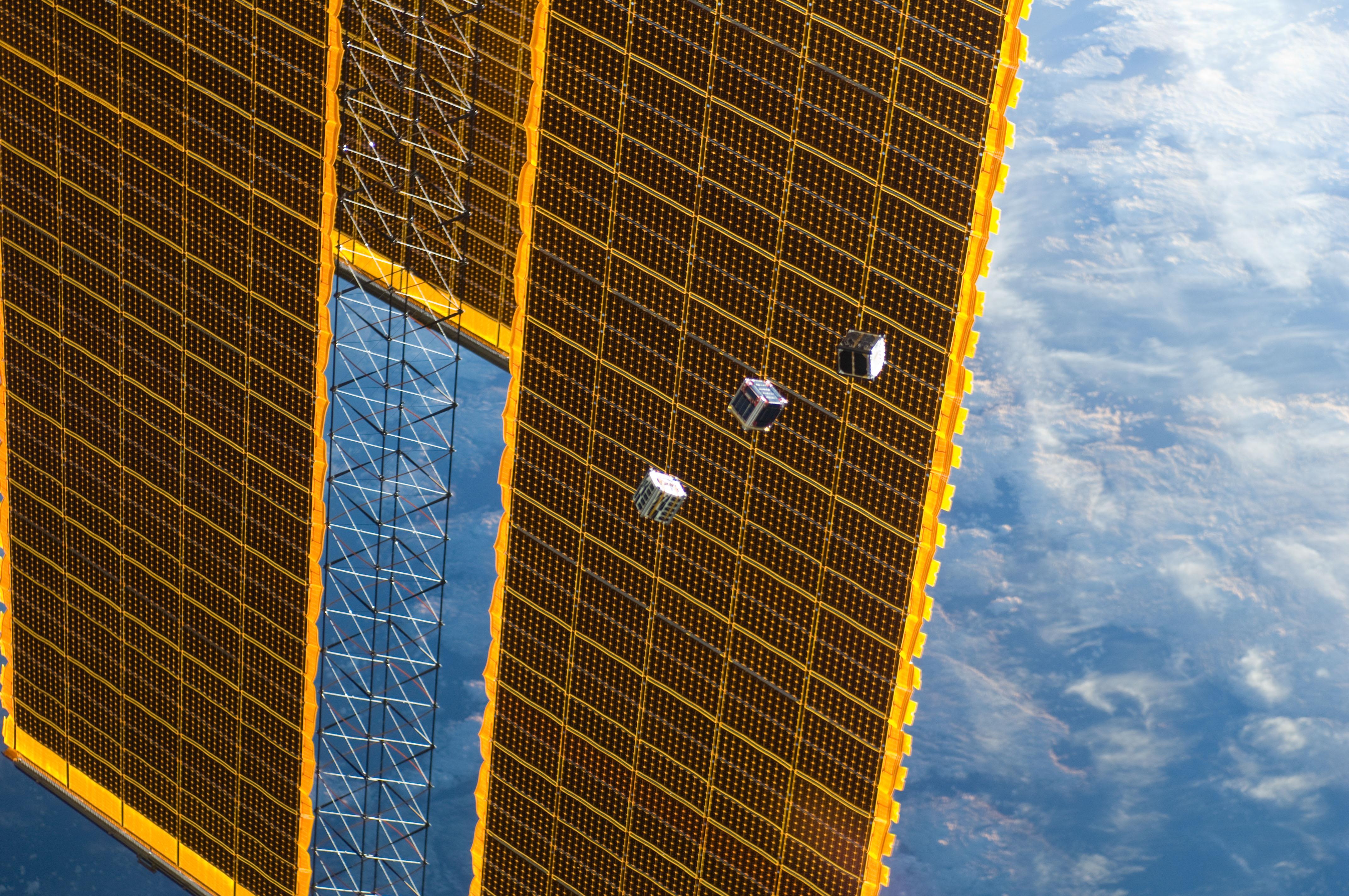 Nanosatelity CubeSat, czyli o smartfonach w kosmosie