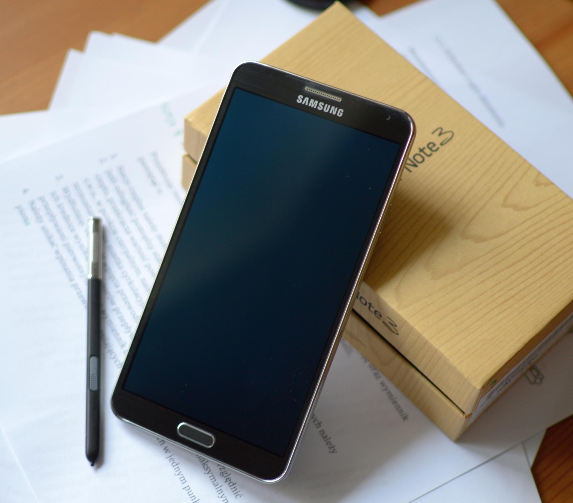 Producenci nie musza nas już przekonywać do wielkich telefonów. I tak je kochamy