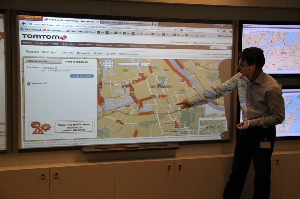 W holenderskiej siedzibie TomToma zobaczyliśmy jak się buduje mapy oraz w jaki sposób zbierane są informacje o korkach