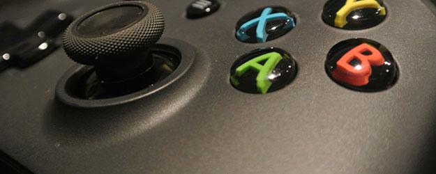 Gamepad od Xboxa One jest bliski perfekcji, a Kinect… – recenzja Spider's Web