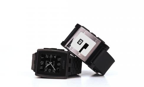 CES 2014: Docenisz zegarek Pebble Steel o ile masz Mercedesa – pierwsze wrażenia Spider's Web