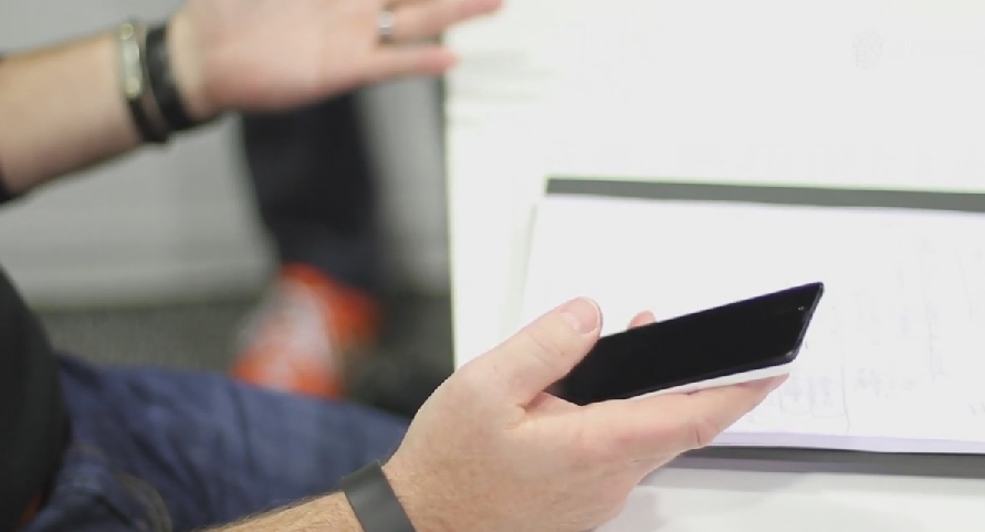 Smartfon, którego nie da się podsłuchiwać, a wysłane z niego SMS-y ulegają autodestrukcji, już niebawem trafi na rynek