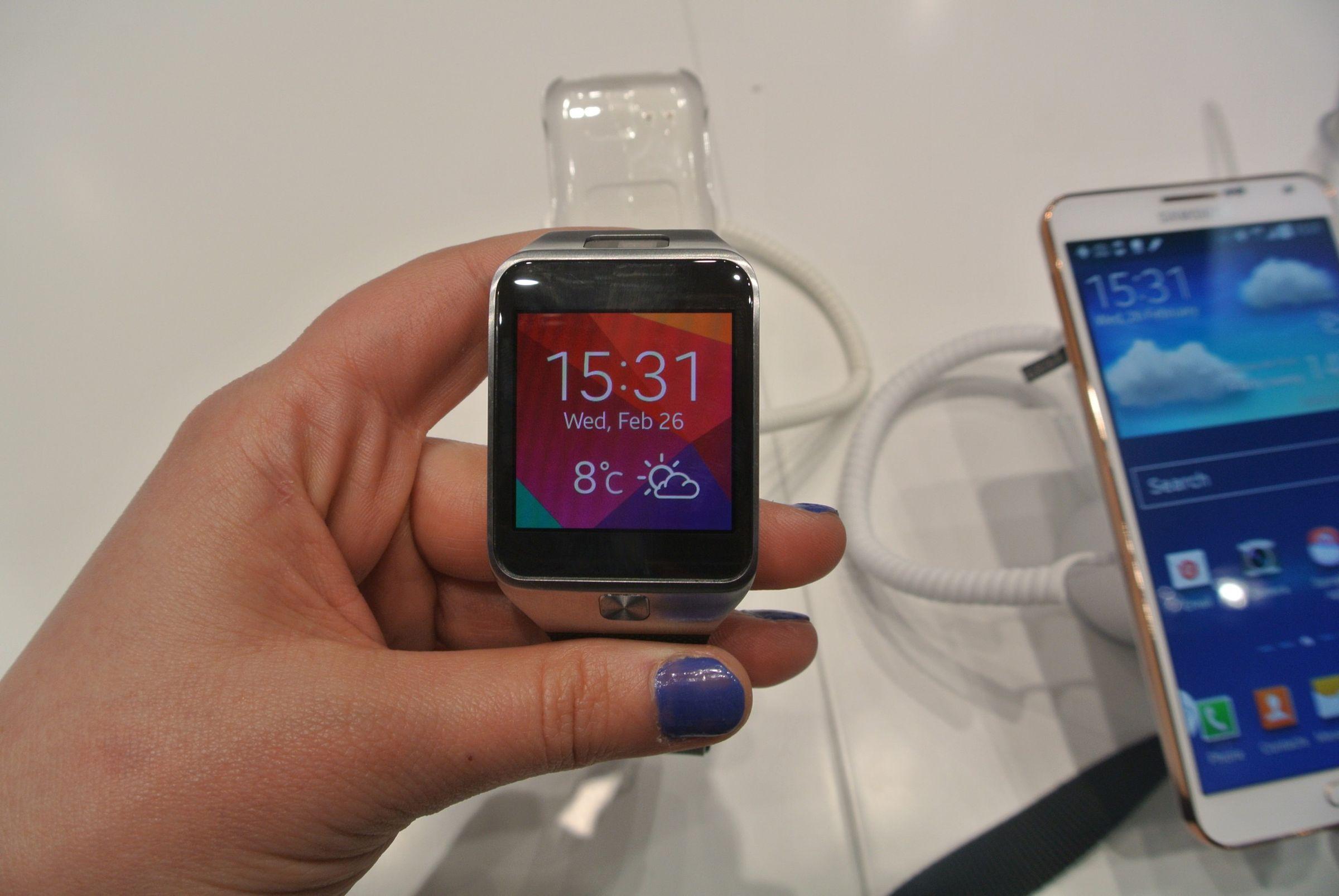 MWC 2014: Samsung Galaxy Gear 2 – lepszy niż pierwsza wersja, ale w cieniu opaski Fit (wideo)