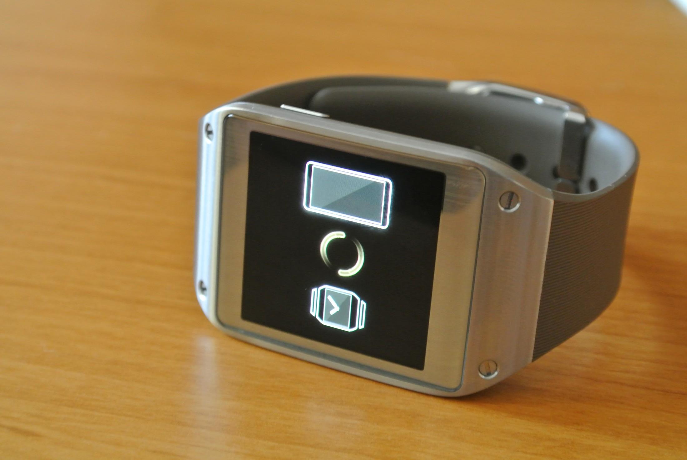 Nikt nie chce smart-zegarków? Samsung sprzedał kolejne pół miliona