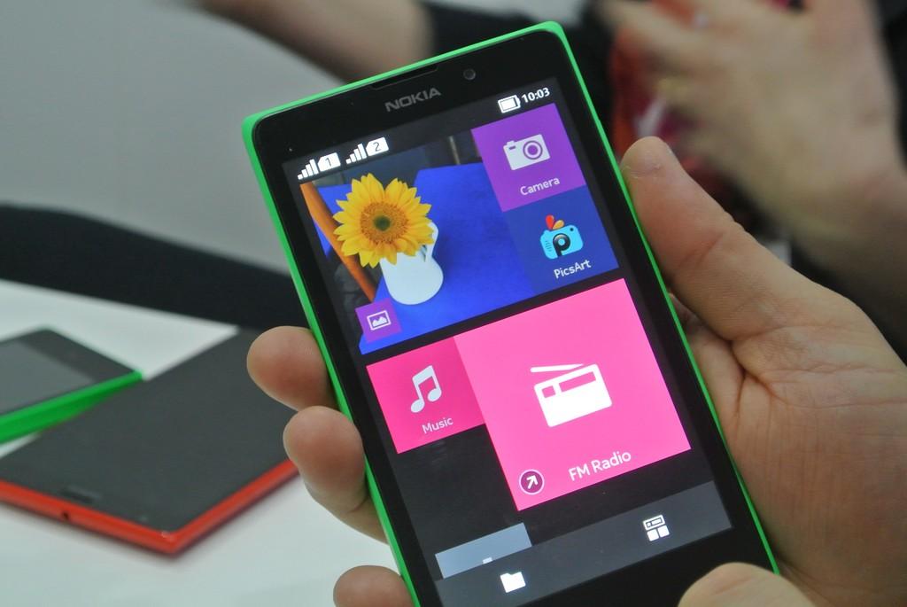 """MWC 2014:  Nokia XL na """"normalnym"""" Androidzie? Da się. Oto dowód!"""