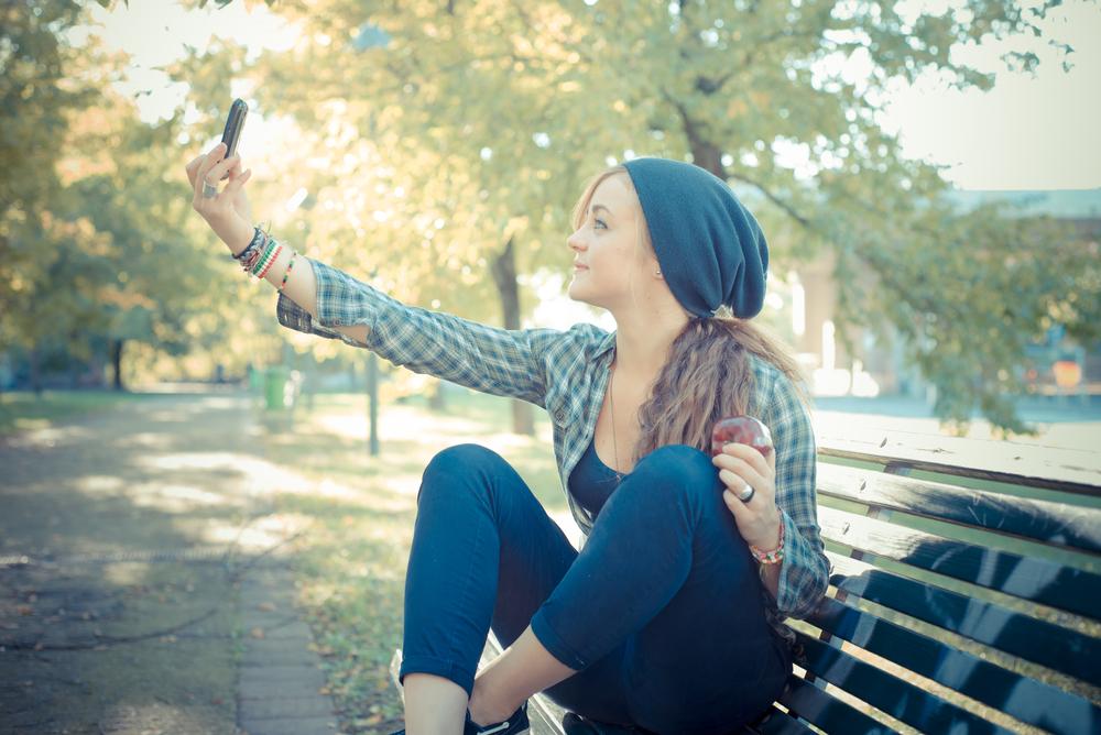 Mówią, że to czysty narcyzm, ja twierdzę, że selfie zostanie z nami na dłużej