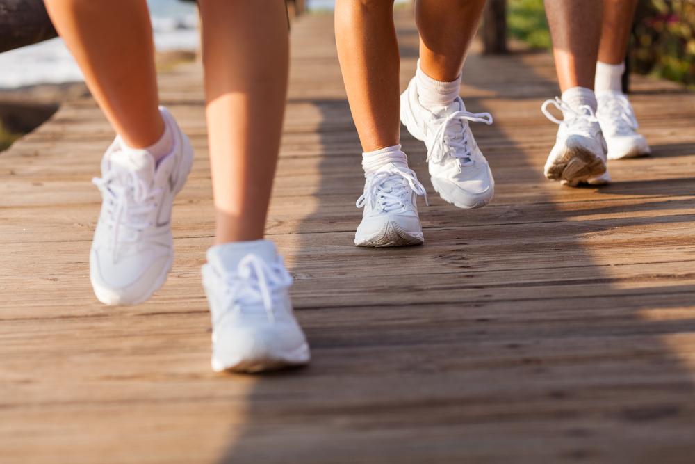 Smartfony, opaski fit każą nam robić 10 tys. kroków dziennie. Czy to w ogóle ma sens?
