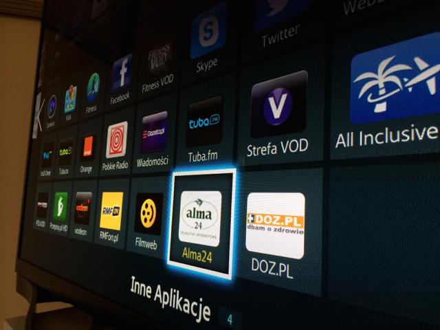 Polacy mogą już robić zakupy spożywcze w telewizorach Samsunga. Tylko czy to wygodne