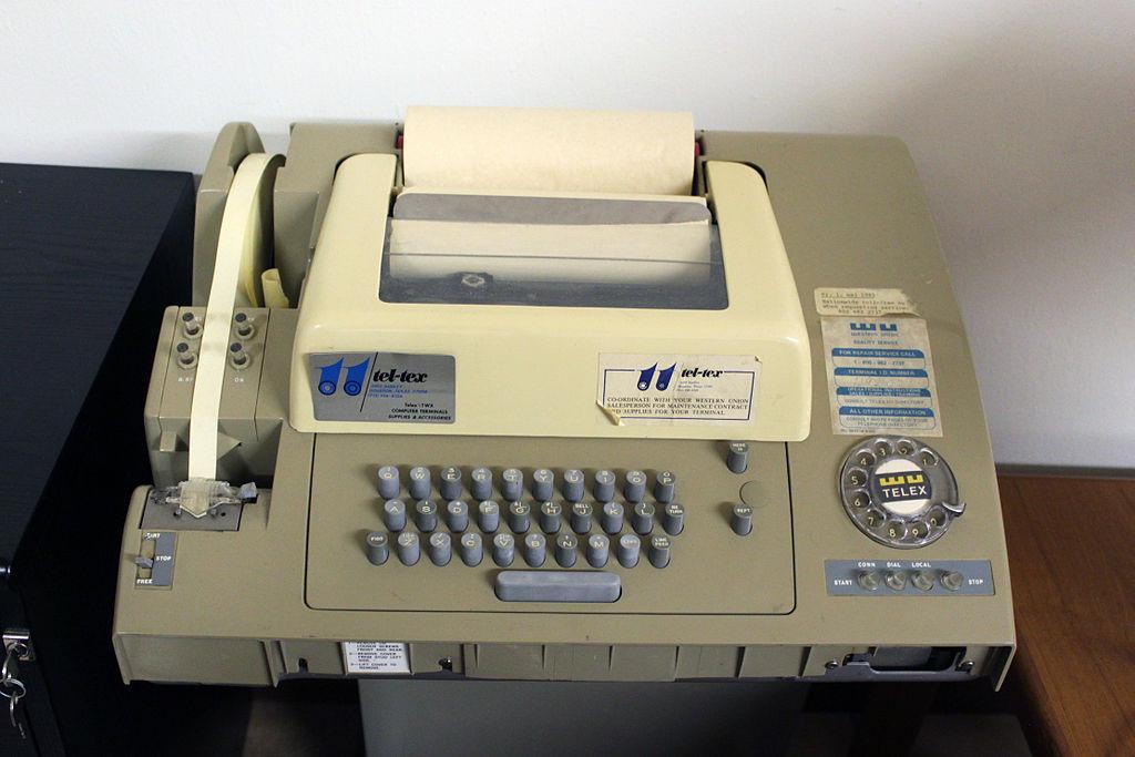 Martwe media: Teleks, czyli prekursor dzisiejszego e-maila