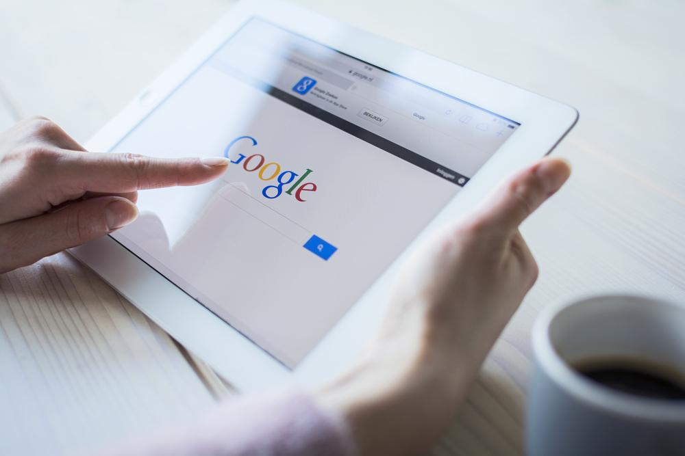 Chcesz zniknąć z wyników wyszukiwania? Google już usuwa pierwsze linki, a niektórzy chcą na tym zarobić