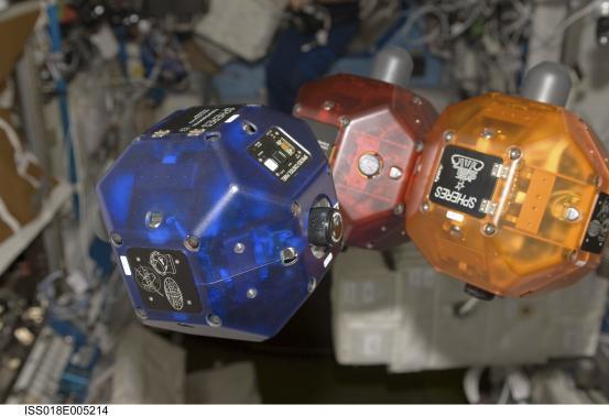 Projekt Tango leci w kosmos. Małe roboty pomogą astronautom