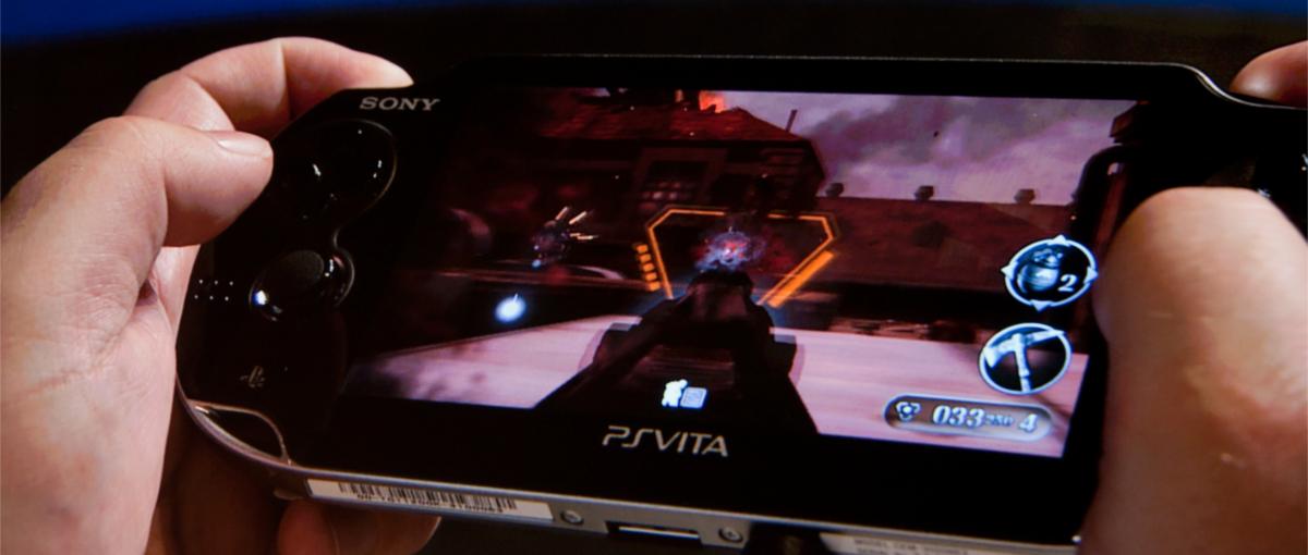 Ależ okazja! Konsola PlayStation Vita z kartą pamięci i grą przeceniona o ponad 50%