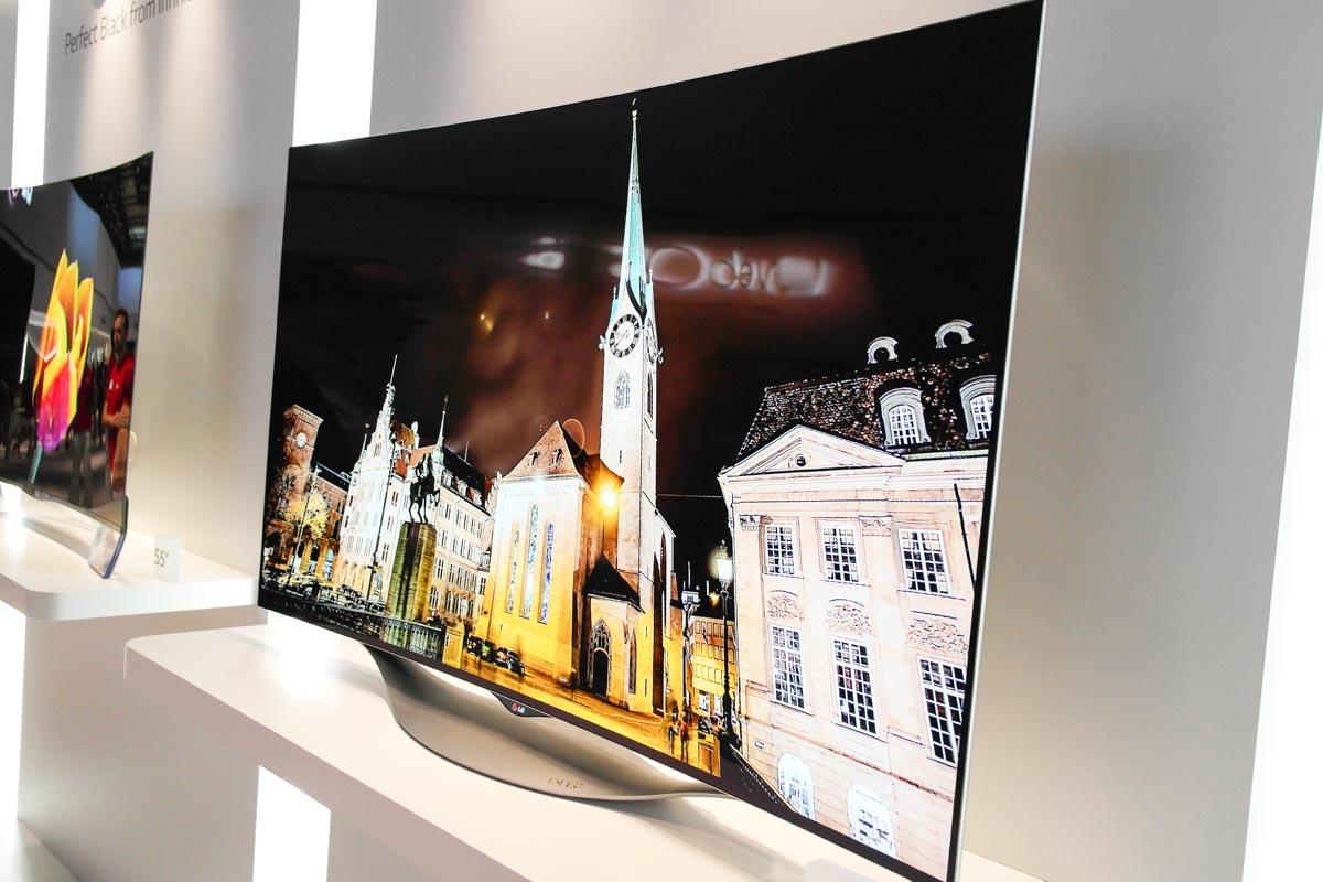 Jeśli planujesz wymianę telewizora, poczekaj na OLED. Masz ku temu więcej powodów, niż sądzisz