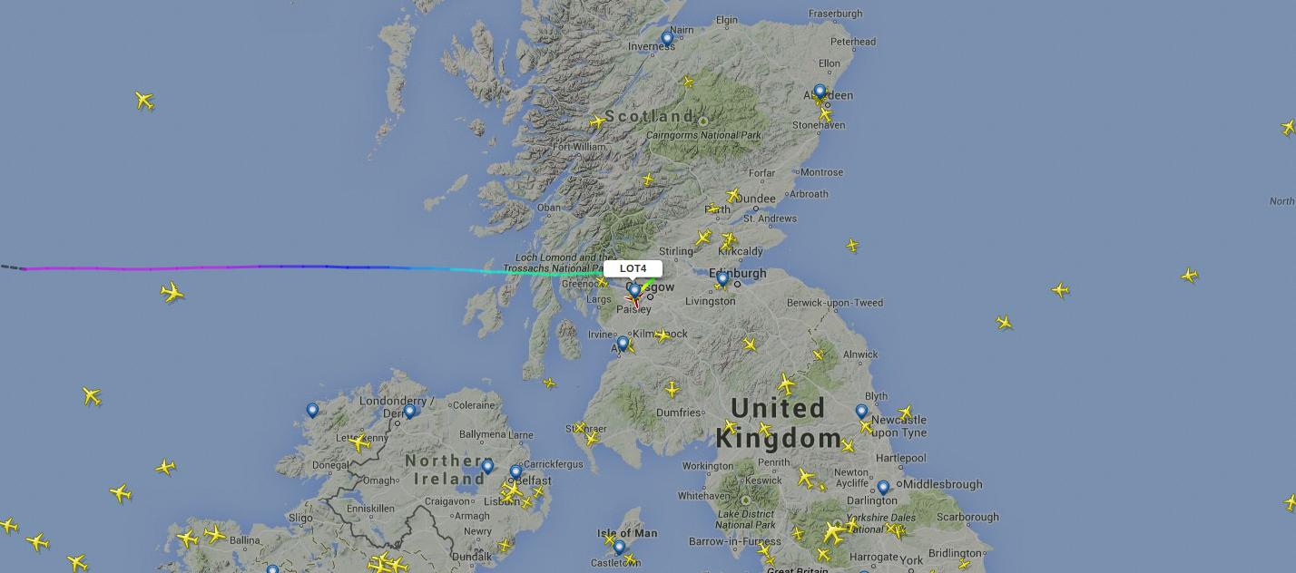 AKTUALIZACJA: Mamy wyjaśnienie LOT-u. Polski Dreamliner właśnie lądował awaryjnie w Glasgow. Dlaczego?