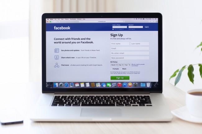 komputer laptop macbook notebook facebook internet