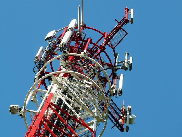 Telekomy: budujemy nowe maszty? Nie, zwiększymy promieniowanie