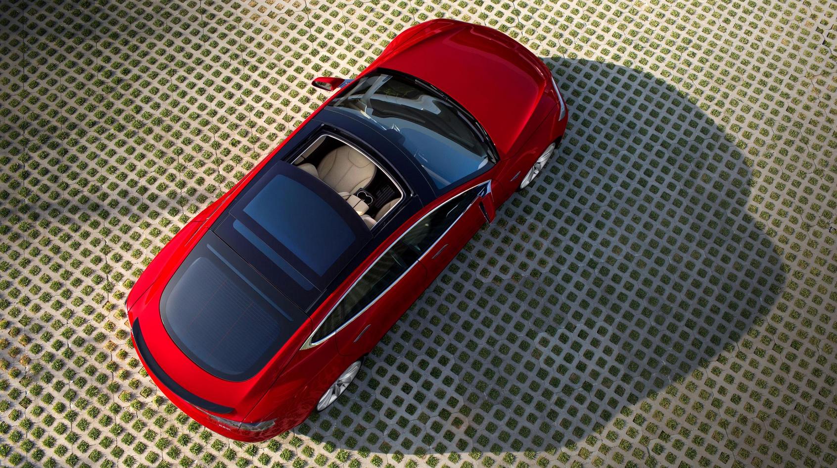 Najtańsza Tesla S jest teraz… droższa, ale potrafi więcej. Dużo więcej