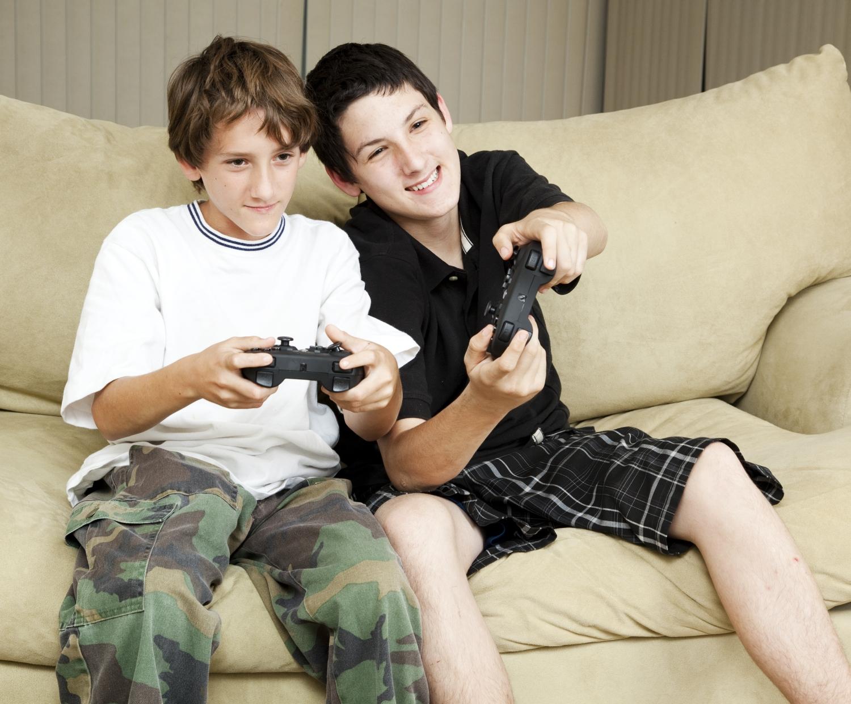 Pokaż mi w co grasz, a powiem ci jakim uczniem jesteś. Minecraft to wyznacznik inteligencji, a FIFA? Wręcz przeciwnie