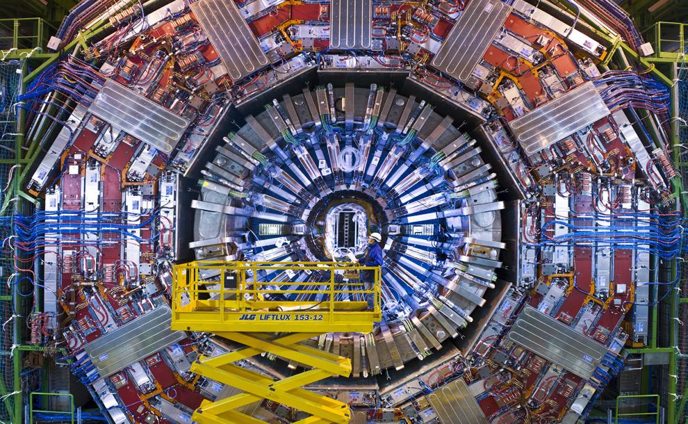 Wielki Zderzacz Hadronów w akcji – poznaliśmy dwie nowe cząstki subatomowe
