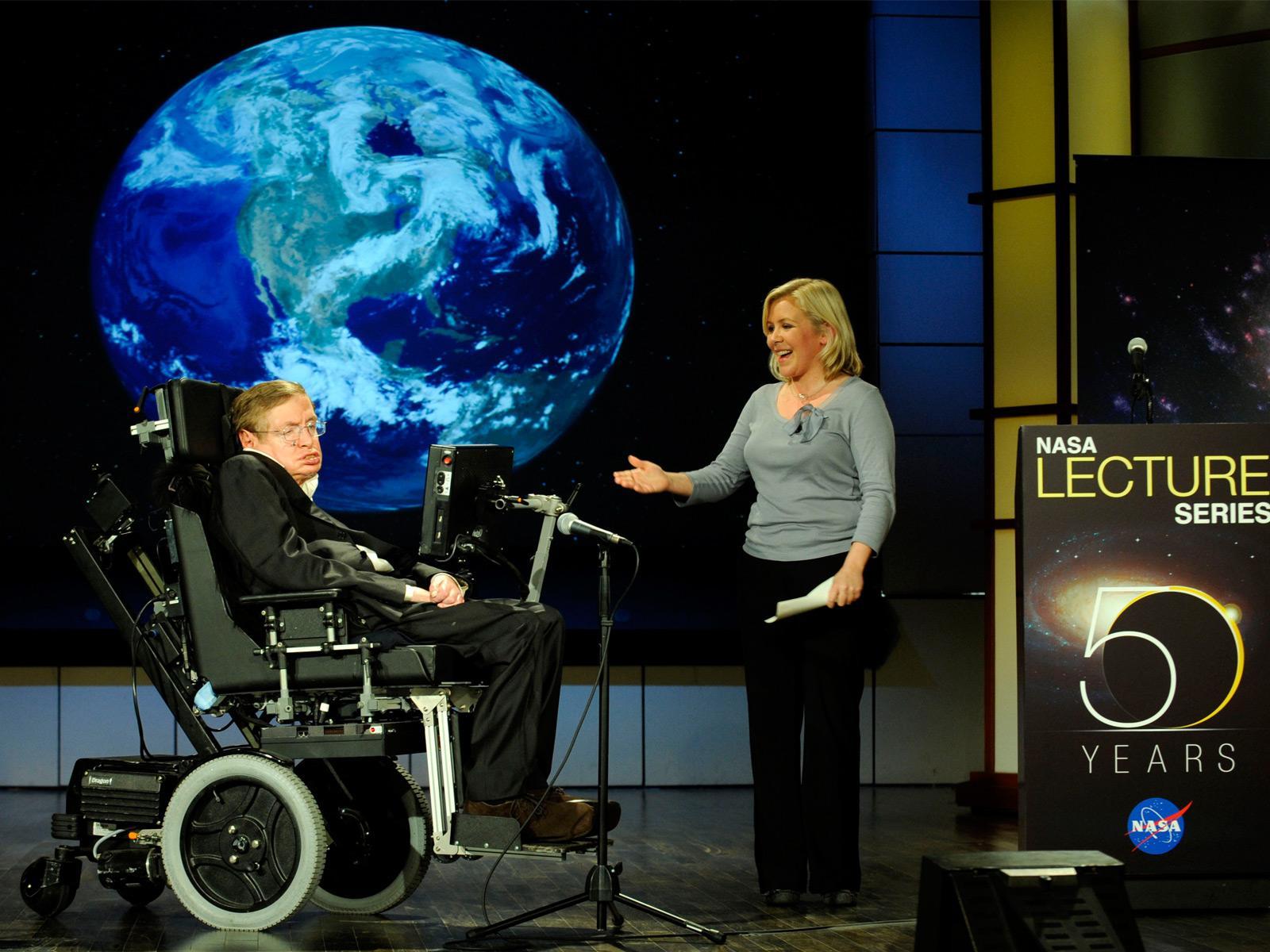 Kilka miesięcy oczekiwania się opłaciło – Stephen Hawking odpowiedział na pytania internautów. Oto najciekawsze w nich
