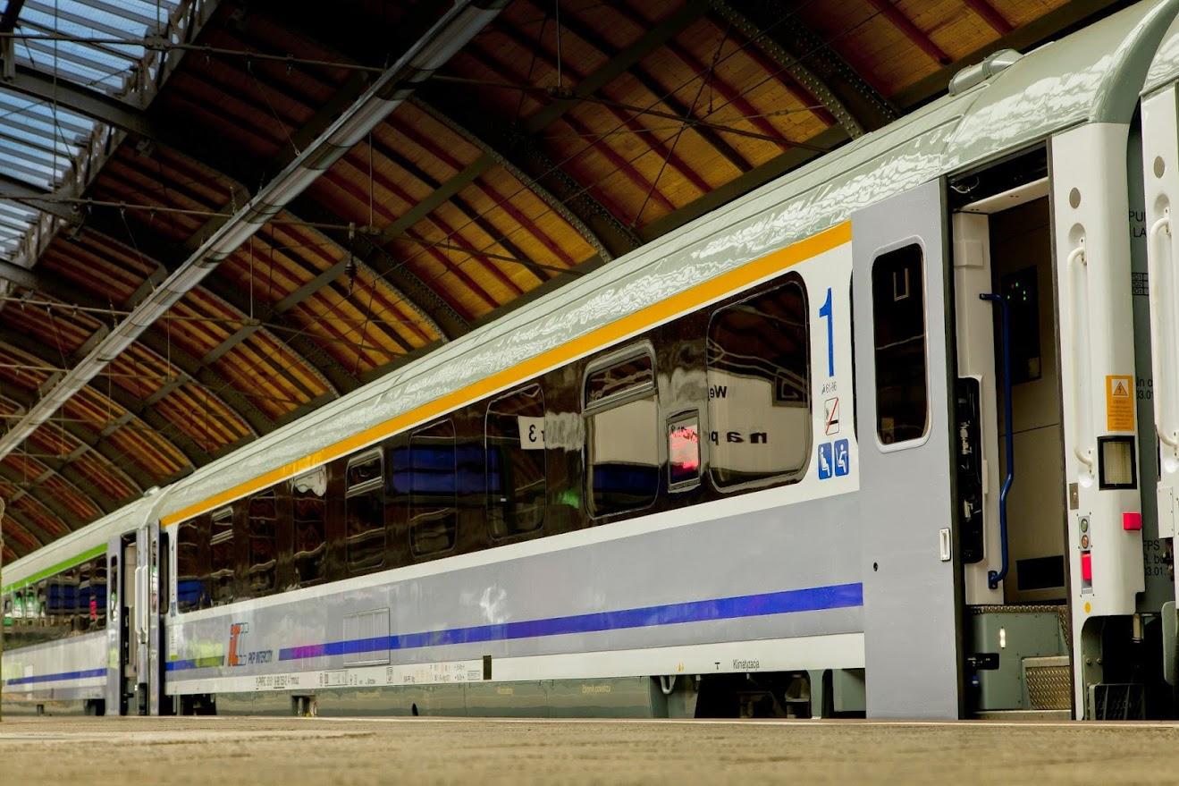 Szwajcarskie były tańsze od polskich. PKP Intercity kupuje 12 pociągów za 1 mld zł