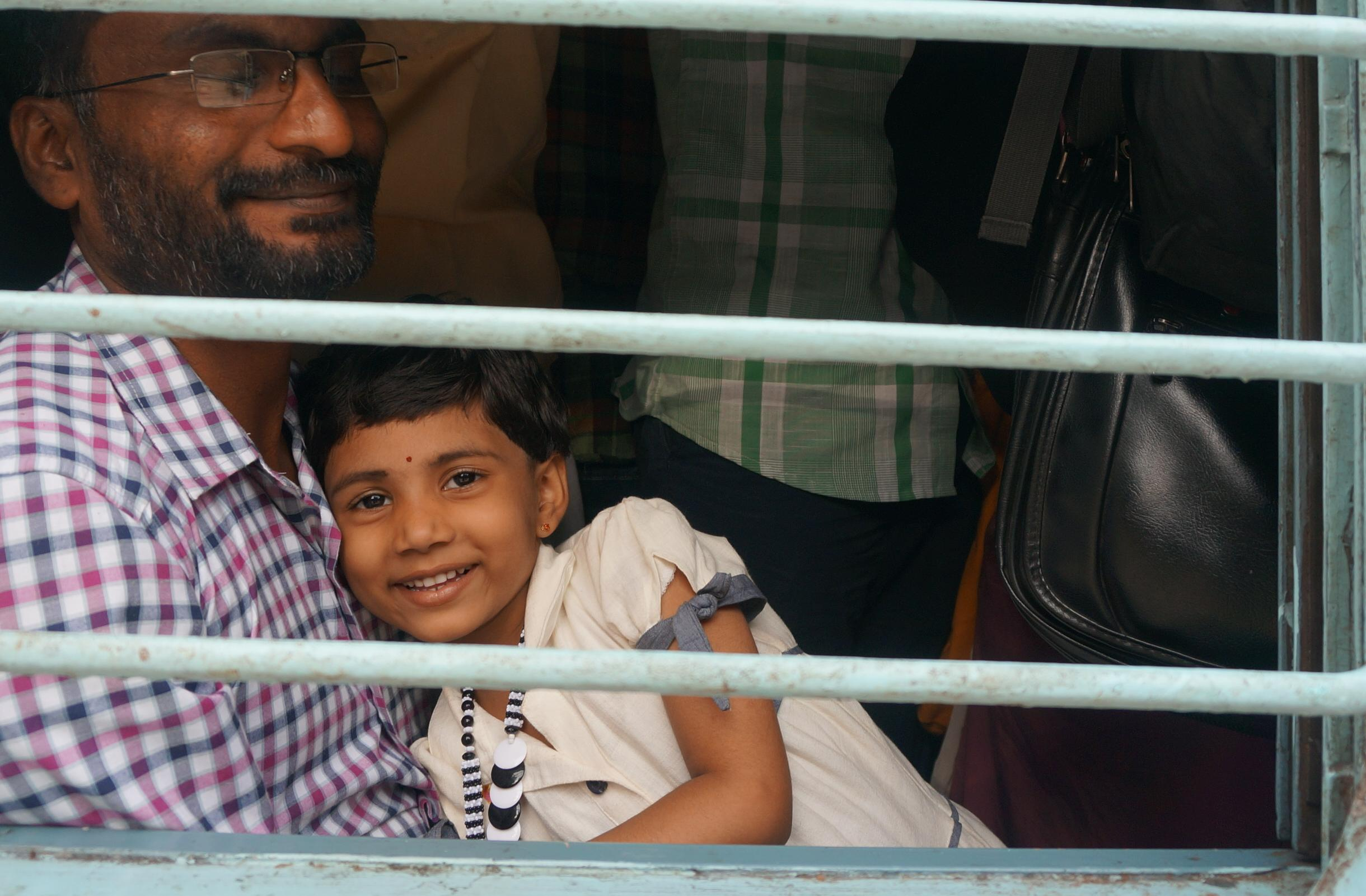 Jedyny biały człowiek w indyjskim pociągu. Nocna podróż z nieba do piekła i z powrotem