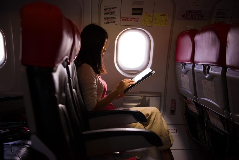 Już niedługo z pokładu samolotu Ryanair sprawdzisz Facebooka i wyślesz maila. Za darmo