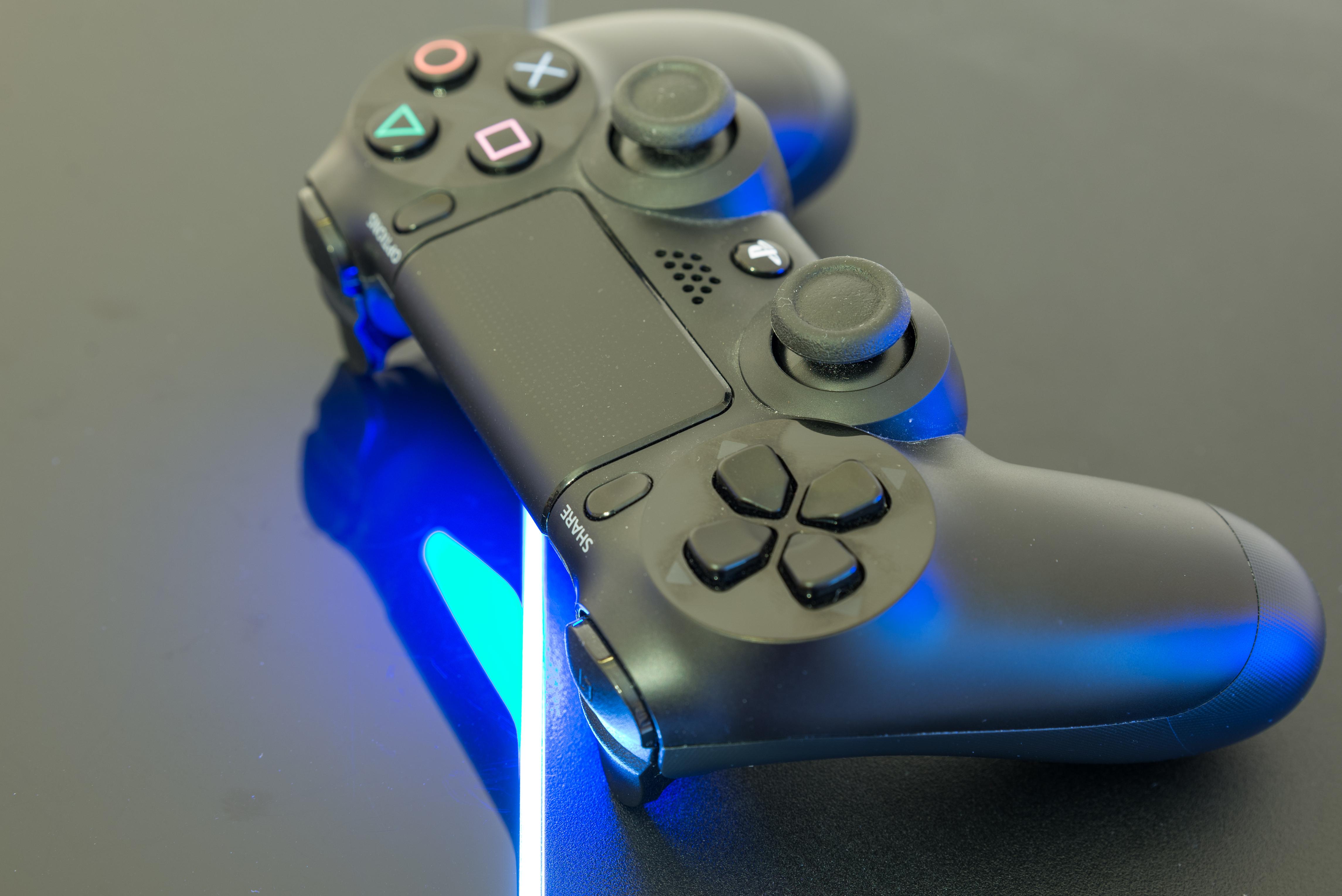 Nie hejtuj, tylko kibicuj Sony. 4 zalety debiutu PlayStation 4K