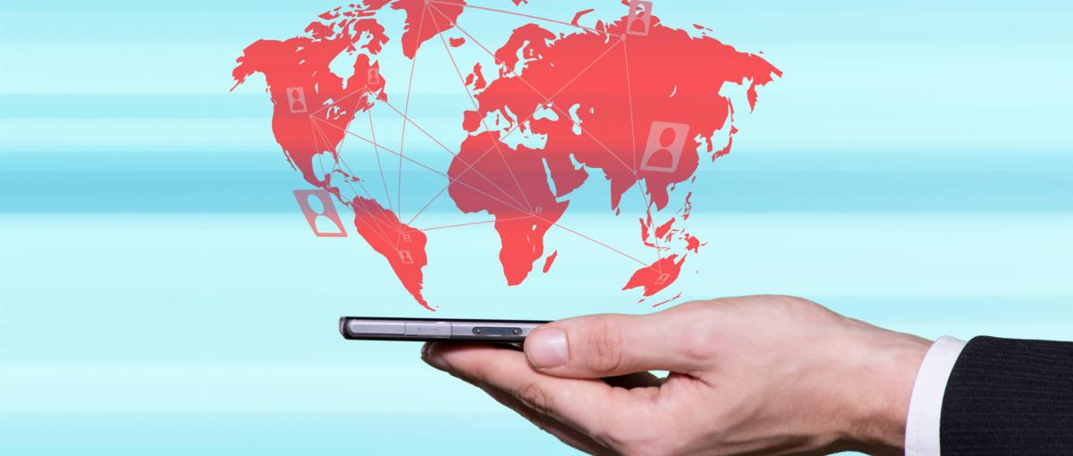 Ruszają obniżki cen w roamingu. Play i Red Bull Mobile podały nowe stawki