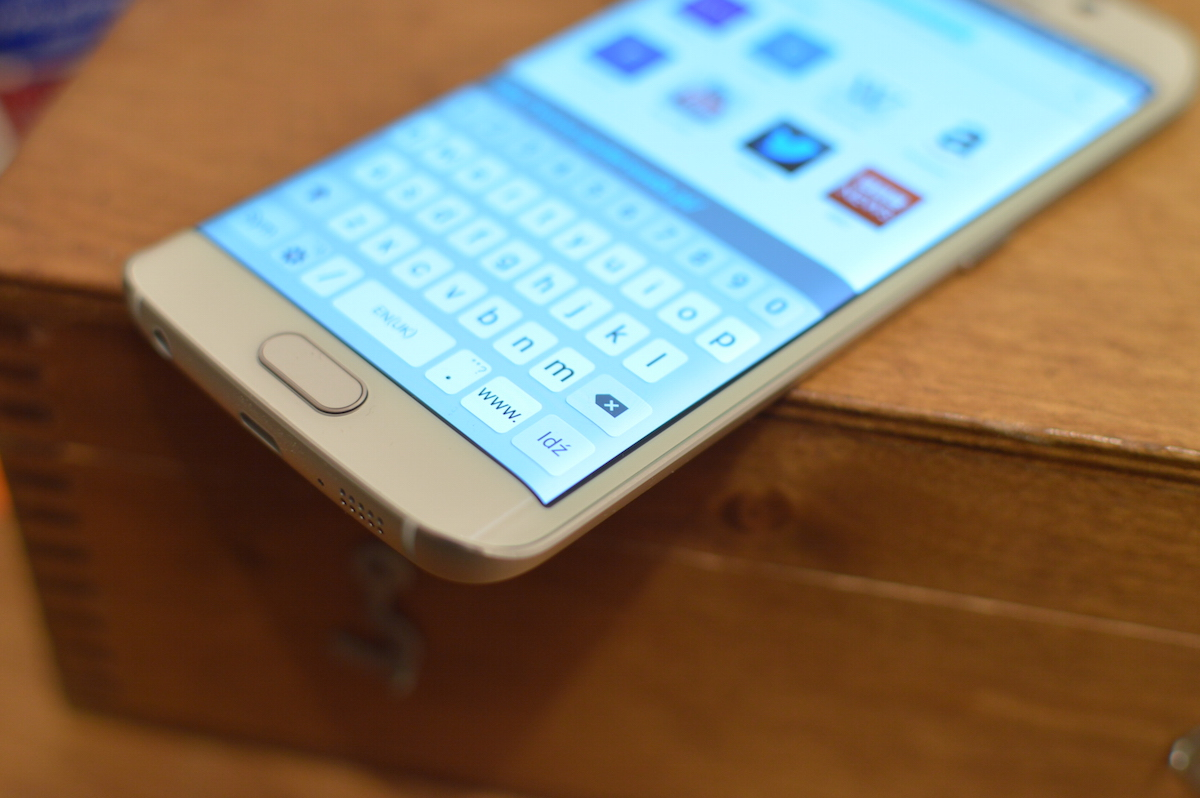 Najciekawszy Samsung już w naszych rękach! Galaxy S6 Edge – pierwsze wrażenia Spider's Web