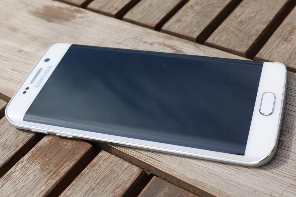 Wielka cena nie zatrzymała szóstki. Tak sprzedaje się Samsung Galaxy S6