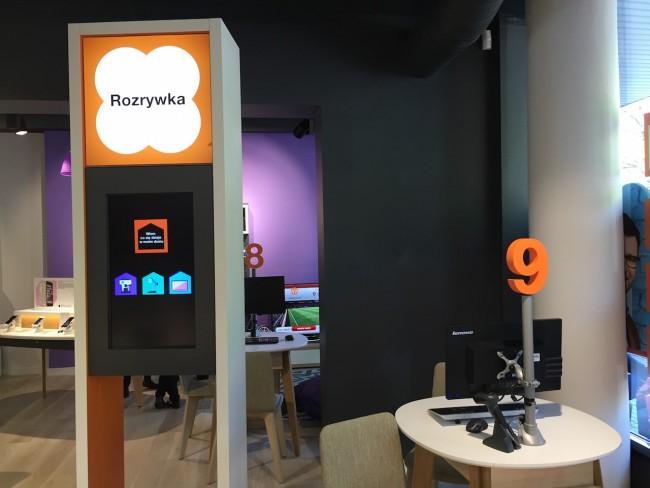orange-smart-brand-store-11