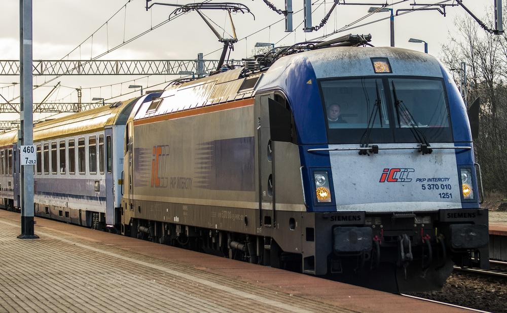 Aż 5,8 na 7 – taką ocenę Polacy wystawili PKP. Dane dotyczące opóźnień pociągów zaskakują